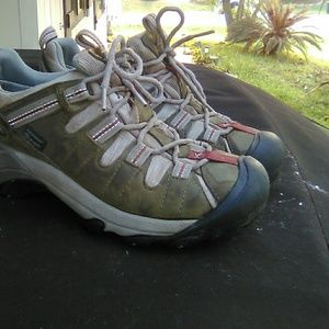 Woman's Keen Hiking Or Trail Shoes